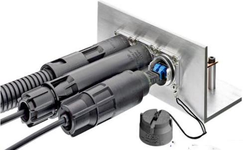 TE推出全新小型连接器 可从多角度单手盲插安装
