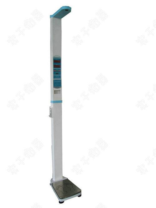 且人体称重电子秤采用微电脑控制和超声波测量技术,可自动测量身高