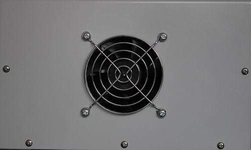 led显示输出电压和电流 ●电源冷却风扇与温度传感器连接,当内部