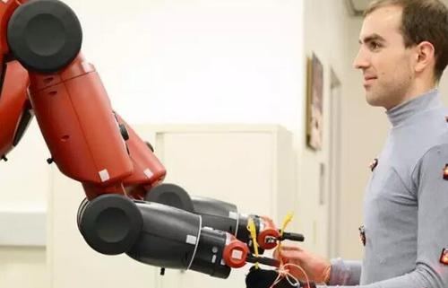 人机协作全方位应用 引领中国机器人发展新风尚